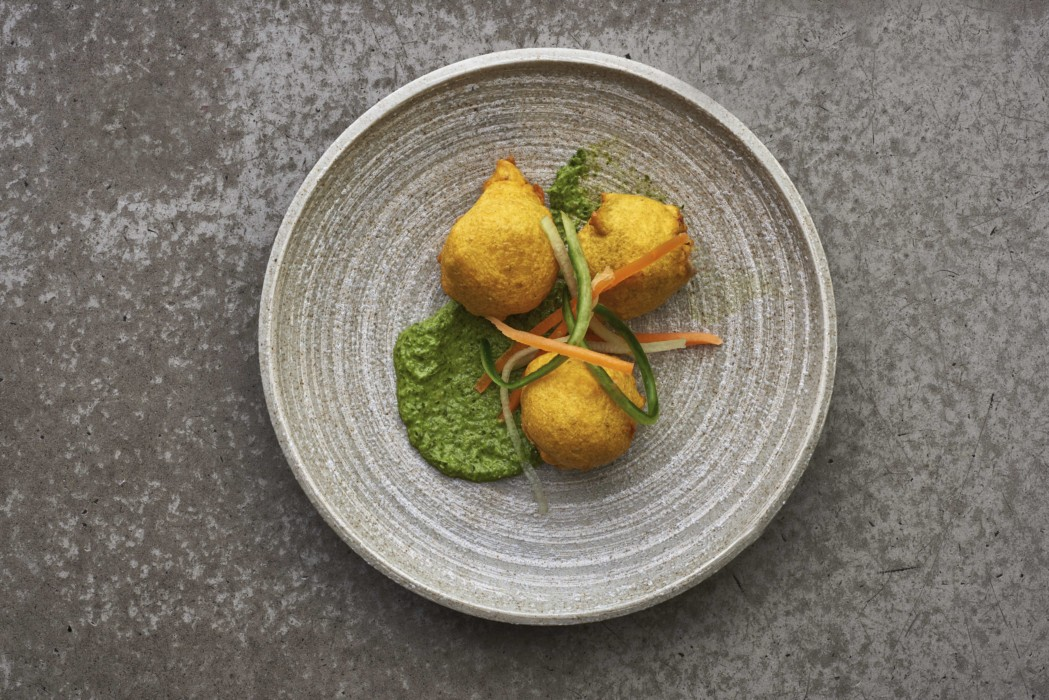 potato-bonda-curry-leaf-and-chilli-mash-in-chickpea-batter